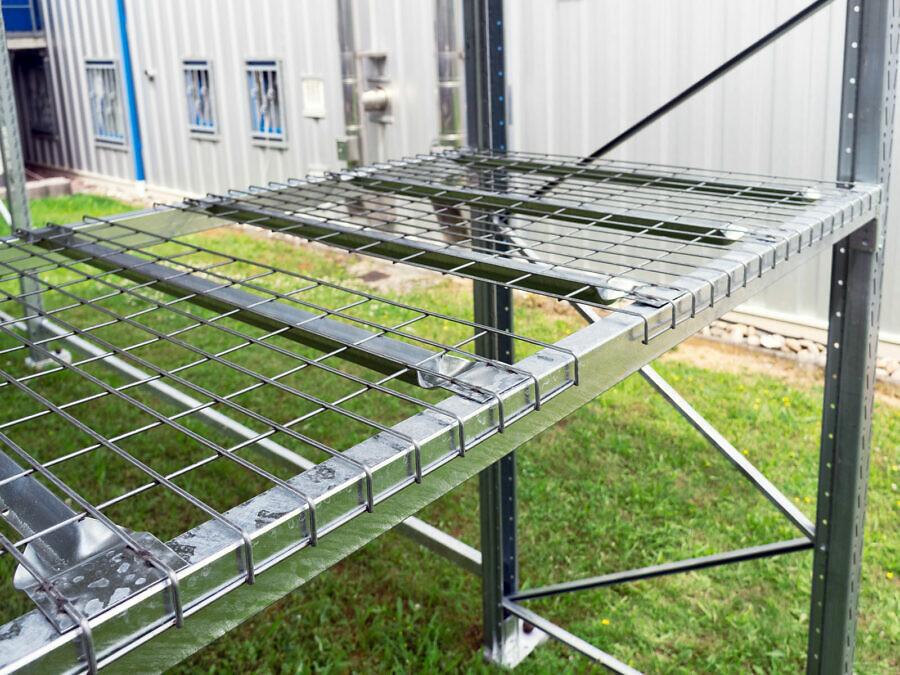 Drahtgitter-Lagerboden im LEO Carport